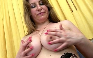 Lickerish MILF carryingon in the matter of themselves