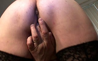 This mature mammy gets a face plentiful cum