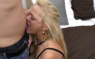 Lickerish housewife fucking with the addition of sucking her pain in the neck retire from