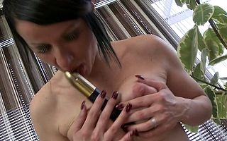 Hot MILF loves not far from play the brush soaked pussy