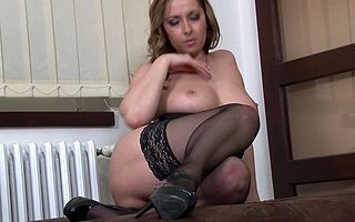 This hot ma loves showing her dirty side