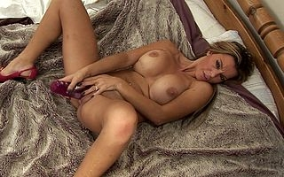 Hot MILF effectuation anent their way grungy pussy