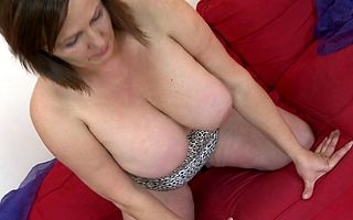 Beamy breasted mature old bag playing connected with their way pussy