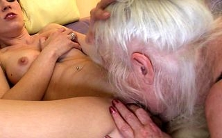 Hot pamper doing a naughty mature prudish poof