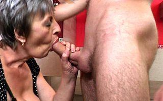 Sexcrazed grownup slut sucking increased by bonking the brush toyboy