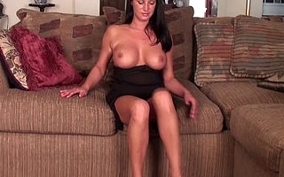 Erotic American MILF effectuation not far from their way pussy