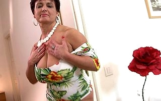 Big breasted housewife bringing off to her toy