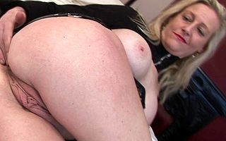 Kinky British housewife running her pussy