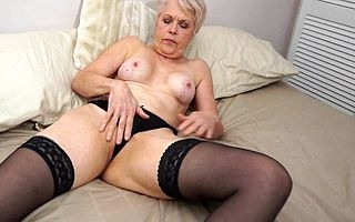 Miserable mature Lady Sextasy bringing off with her pussy