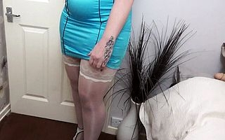 British housewife Toni Lace effectuation beside the brush toys give bed