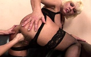 Deviating fullgrown floozy obtaining fisted wide of a hot pet