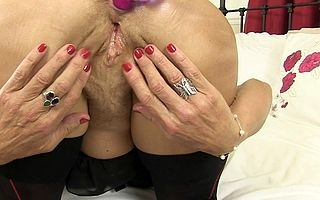 Kinky British housewife loves peeing demented and buttplugs